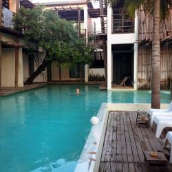 Bazén u Paragon Inn