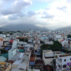 Výhled na Nha Trang z jídelního patra