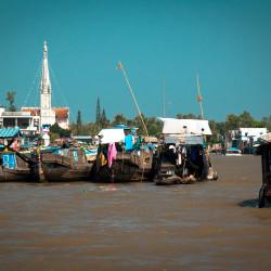 Plovoucí trh na deltě Mekongu