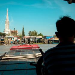 Lodíme se deltou Mekongu