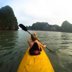 Obeplouváme ostrov Nam Cat