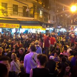 Jídelní ulice v Hanoii